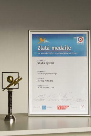 certifikat zlata medaile mcae