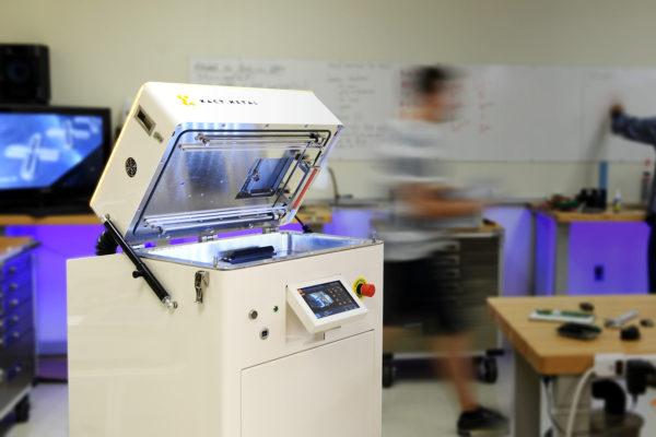 3d tiskárna na kovový prášek