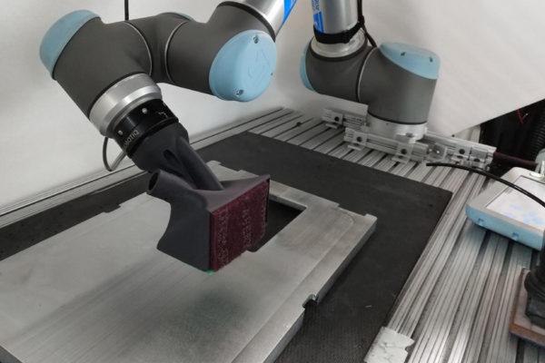 univerzální robotická paže