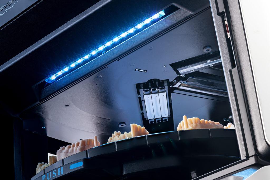 j5 dental 3d tiskárna zubní náhrady implantáty